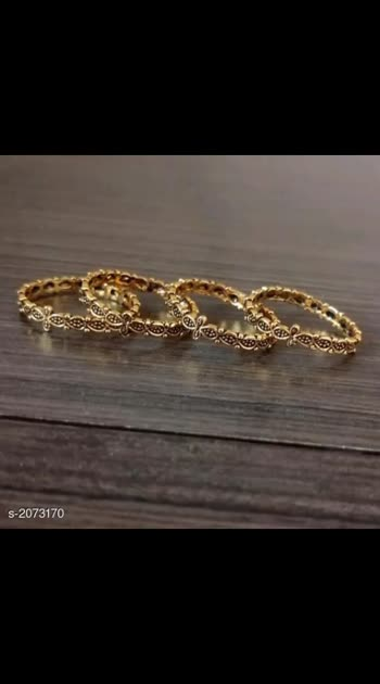 250 Only Cash on delivery Embellished Brass Toe Rings (Pack Of 2) Material: Brass Size: Free Size (Adjustable) Description: It Has 4 Pieces Of Toe Rings Work: Embellished