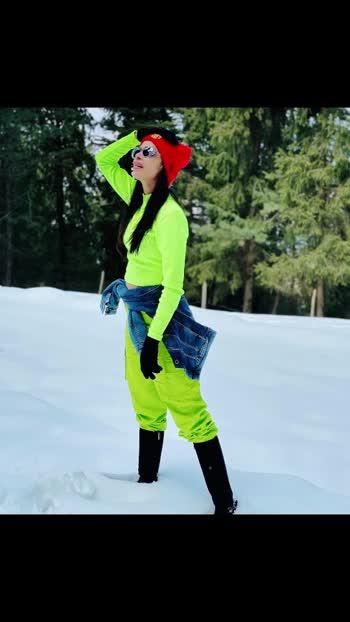 I like the cold weather 🥰🥰 #niveditachandel #niveditachandelmodel #insta #instagood #instafashion fashionblogger #instatravel #fashionblogger #instablogger #instagood #insta #likeforlikes #like4likes #likeforlikeback #liketime#manali #manalitrip