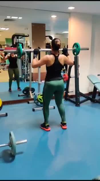 ROCKS ON MY BACK ! #thisgirlwontstop #onedayatatime #classicurvegirl #backworkout #fitness #fitnessmodel #gymlife #girlswholift #mindoverbody #happy #hustle #fitspo