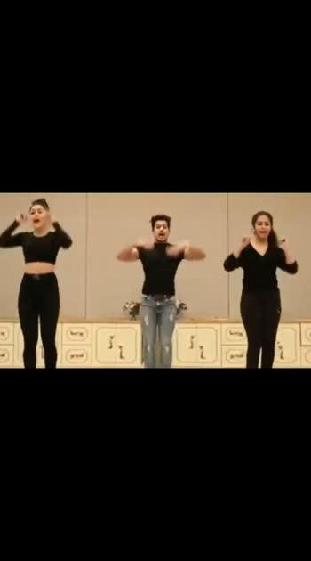 Dance Choreography.  #dance #choreography #choreographer #roposo #roposo-beats