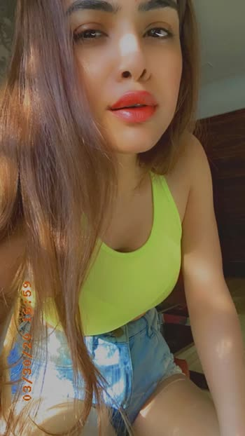 Hey guys wish you all a very Happy April Fool' s Day ....so today Believe nothing and Trust No One just like any other day .....✌️✌️🙌🙌 :  #aprilfoolsday #happyaprilfoolsday #believenothing #trustnoone #randomclick #neon  #neonlove #glossylips #summervibes #summer2020 #fashion #quarantineandchill  #21dayslockdown #indialockdown  #pollywood #punjabi #punjabiartist #punjabiactress #punjabigirl #nehamalik #model #actor #blogger #instagood #instadaily #instalike