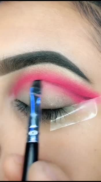 #feeling-loved #eyeshadow #eyelashes #eyeshadowtutorial #beautifulgirl #eyesexpression #mastimood #lookgoodfeelgood #bestoftheday #1millionauditionindia