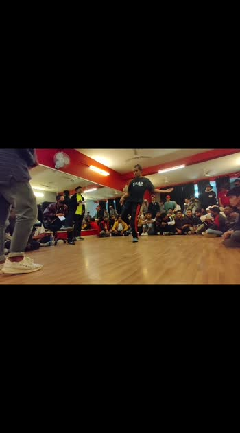 dance battle  #roposo-beatschannel #beats_channel #roposostars #dancebattle