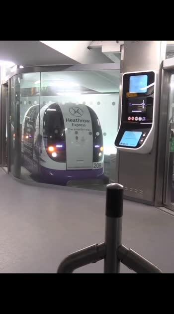 London hathway#londondiaries #london #travelling #trendingvideo #viralvideo
