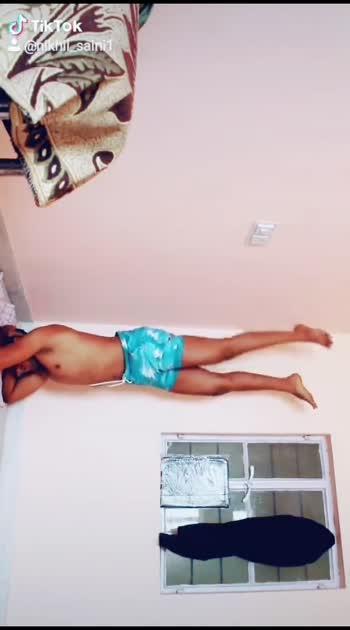 headstand #calisthenics #gym #muscular #roposostar #foryou
