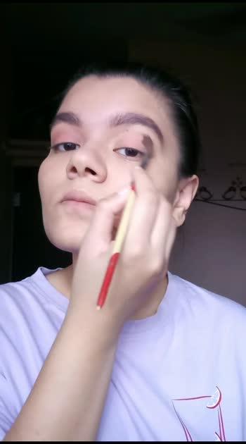 Cranberry Eyes Make-Up Look. 🍭  #makeup  #makeupartist #makeuptutorial #muaindia #muadelhi #mua #muafam #eyes #eyeshadow #eyeshadowpalette #eyeshadowtutorial #cranberry