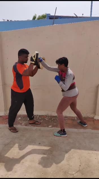 #roposo #fitnessfreak #boxinglife #girlpower