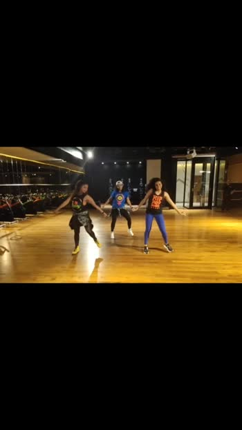 Wepa 🔥🎉 #zumba #zumbafitness #zumbaroposo #zumbainstructor #zumbaindia #zumbabangalore #zinlife #bangalore #bangaloreinfluencer #roposo #roposostar #roposostars #roposo-dance