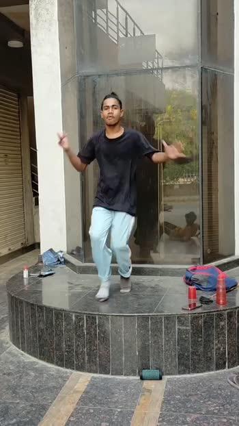 hip-hop boy  • • 🌟 💃 👍 🎬 #videogram #awesomevideo #videoshoot #iphonesia #myvideo #love #toptags #videoshow #cute #like4like #toptags #liker #likes #l4l #likes4likes #photooftheday #spamforspam #likeforlike #toptags #toptags #dance #dancer #dancing #dancerecital #music #song #songs #friends #smile #roposostar #roposostars #roposo-beats