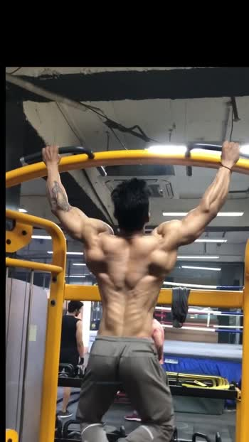 No more excuses BUILD THAT BACKS#backday#fitness#gym#fitnessmotivation#bodybuilding#fitindia#muscle#workout#focus#fyp#videoviral#build#nevergiveup#foryou#lockdown#stayhome#