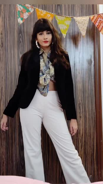 my day to night look for this formal coat! Which is your favorite? #roposo #roposofashion #roposofashionblogger #roposofashionbloggernetwork #fashion #fashionblogger #stylingtips #stylingideas #styling