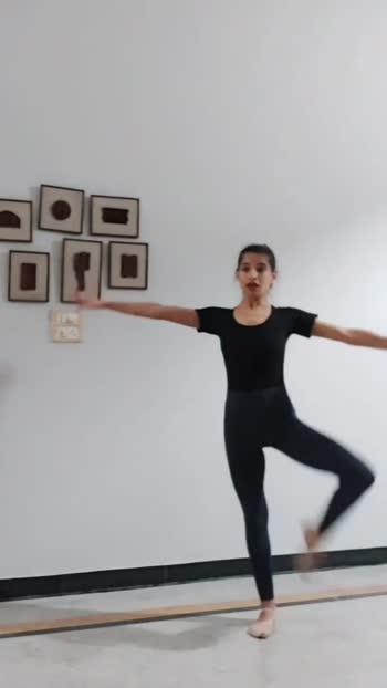 in between #ballet  #practice .. #dancer #dance #bollywood #punjabi