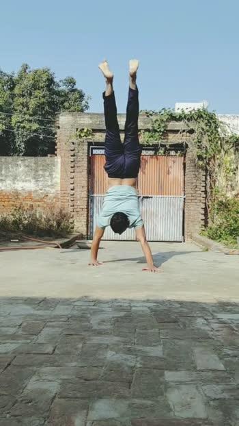 #handstand
