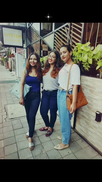 Continuing my love affair with Brunches with this post.. Missing most on weekends #weekendpost #weekendvibes #saturday #saturdayvibes #saturdaynight #throwback #brunchwithbff #brunch #brunchlook #friends #friendsforever #mygirls #girls #whyshouldboyshaveallthefun #ootd #roposostar #roposogirl #soroposo #roposolove #lookstylish #curvywomen #curvyfashion #blogger #agirlslife #weekenddiaries  Outfit Details Top- Westside Jeans- Kraus Shoes- @catwalkshoes