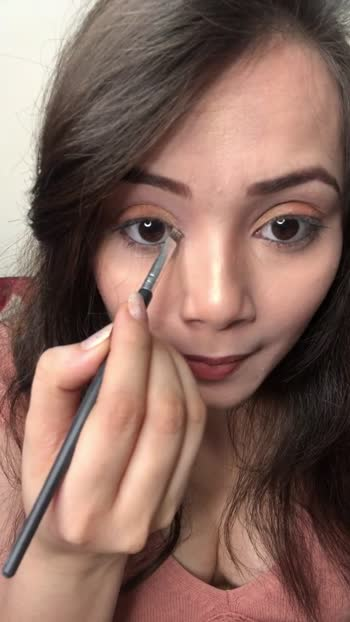 How to instantly highlight your eyes 👀.  [ You can see the difference ]  #kimaayasharmaa #makeuptutorial #beautytips #blogger #beautyaddicts #fashiondiaries #bloggerlove