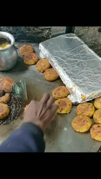have you tried the bun tikki from Brijwasi chaat, Amritsar? #foody #streetfood #foodie #desifood #foodholic #foodwars #foodpost