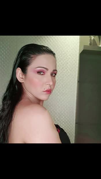 freshandwey #artistrybysangeetasehrawat #makeupartistry #follow #like #share #sharethevideo #