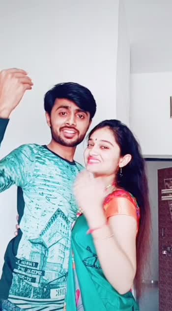 Finally on roposo .#indian#ahmedabad#couplevideos#cutecouple