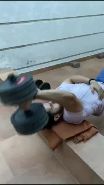Unilateral Dumbbell Pullover for Lats #homeworkout #lats #training