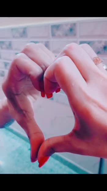 #roposovideo #bollywoodsongvideo #roposovideo #brokenmirror