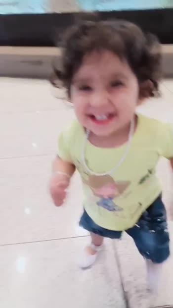 Meri Nanhi c Jaan.. 💝 itti c hasi #burfi #mumbai_airport #priyanka_chopra #mishka_my_love #cutest_baby #babylove #doll #baby #bollywood #roposo #viral_roposo