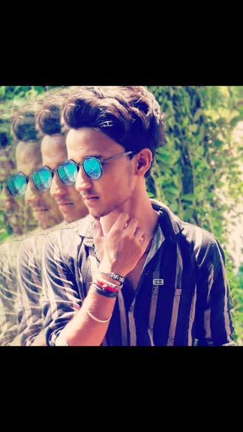 How this looking?🤔😎😘😘#lookinggood #picchetodekho #picsart #photography #viral #roposo #Ayushkumar1432 #trending #pic