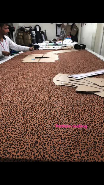 Pattern making  #madeinidia #womenswear #newdelhi #wholesale #wholesale_fashion #retail #onlineshop #india #manufacturing  #roposo manufac
