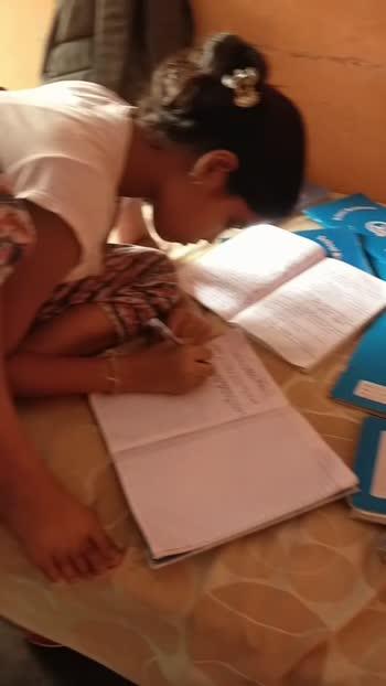 kitaban nal pyar#booklover #students #studentlife #studentoftheyear2 #bechara #love #bookworm