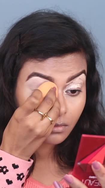 Pink Glitter Eye Look, tutorial up on my channel link in bio 👆👆👆👆 #makeup #makeupartist #makeuptutorials #makeuptutorial #makeupforbeginners #pink #pinkeyemakeup #pinkeyeshadowlook #pinkeyeshadow #glittereyes #wingedlinertutorial #wingedliner #roposostars