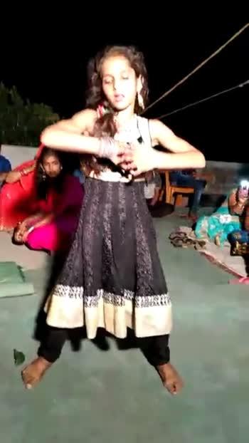 #best-song #bhojpuri_hot_dance #bhojpuriya #roposo #danve_goals #watsapplovestatus #qpdtlookbook