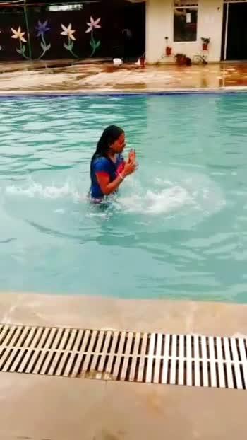 #babitalodha #poolparty #poolside #summer-style #roposostar #roposo