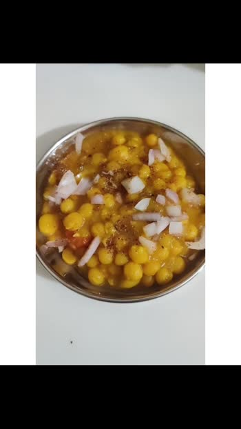 Ragda Pattice . . #food #foodie #foodblogger #foodlover #foodporn #foodiesofindia #foodporn #foodphotography #foodvideo #foodstagram #foodrecipes