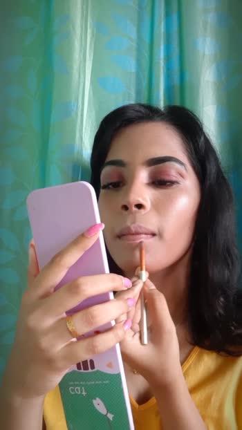 Puffy lips💋 #liptutorials #lipmakeup #lips #tutorial #tutorialvideo #makeuptutorial #makeupblogger
