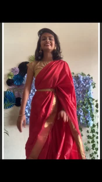 How to handle free pallu #sareedrape #styling #stylingtips #stylingideas #sareestyling #pallu #pallustyles #manichandhanavelmula #manichandhanareddy
