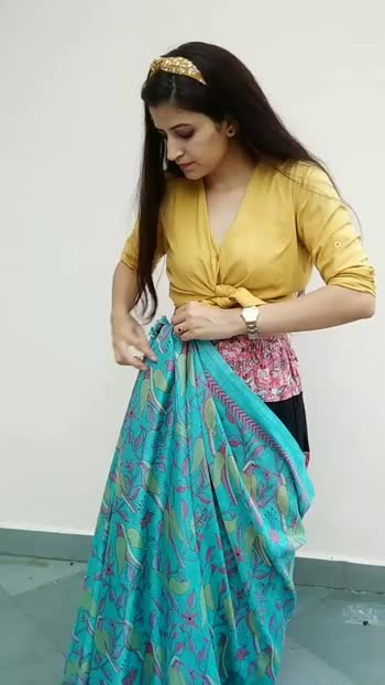 What to wear to a party if you don't have Ethnics !!  #fashiontips #fashion #fashionblogger #stylingtips #lehenga #shirt #partydress #foryou #foryoupage #fashionquotient #fashionquotientchannel