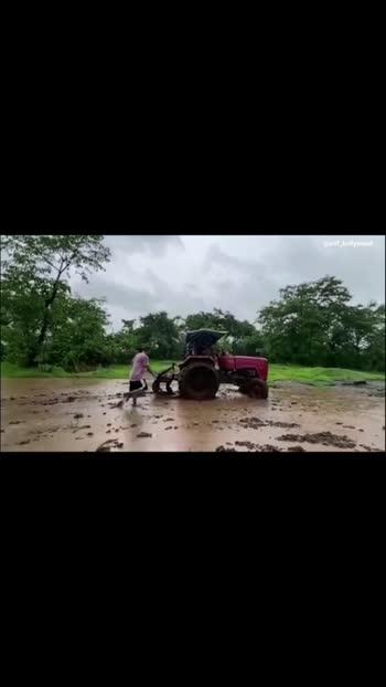 #salmankhan Farming & Driving A Tractor In His Panvel Farmhouse #atif_bollywood #roposo