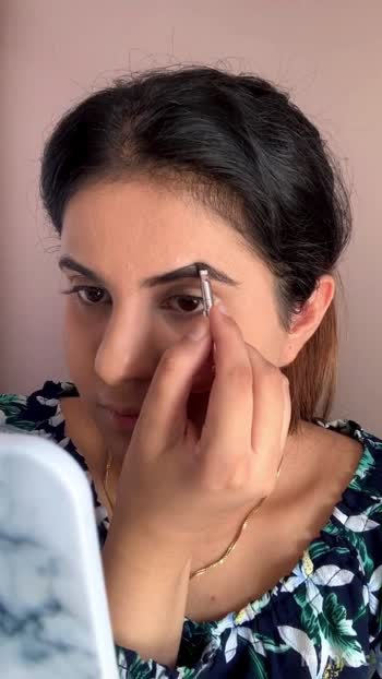 How to fill Eyebrows with Brow Pomade #benefitindia #benefitkabrow #eyebrowtutorial #eyebrows #eyebrowsmakeup #eyebrowsonpoint #browpomade #fillinbrows #eyebrowgel #makeuptips #makeuptutorial #cutegirl #makeup #makeupvideos #rakhimakeup