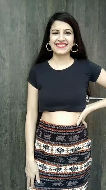 1 co-ord set and 4 looks !! #fashion #fashionblogger #styling #stylinghacks #fashiontips #rangoli #fashionquotient #fashionquotientchannel #foryou #foryoupage #backless #skirt #pencilskirt