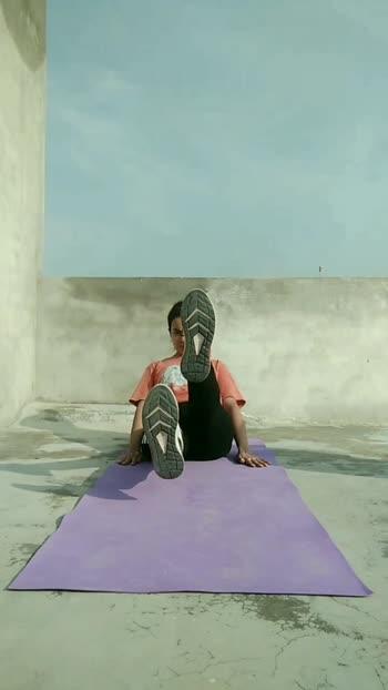 1-Flutter kicks × 30 2- Seated leg raise×10 Take 1 minute break and repeat for 3 rounds🔥🔥 #absworkout#abschallenge#absinprogress#homeworkout#bodyweighttraining#quarantineworkout #homeabs#bodypositivity#healthyweightloss#bodyweightworkout#fitnessmodel#fitfam#fitnesschallenge#fitmodel#calisthenics#calisthenicsgirls
