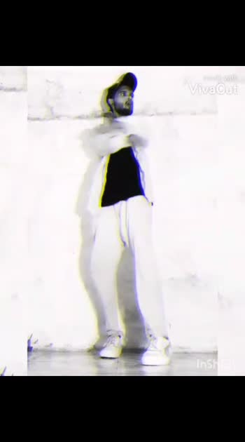 🤘 . . . . . . #freestyledancer#creative#dance#poppingfreestyle