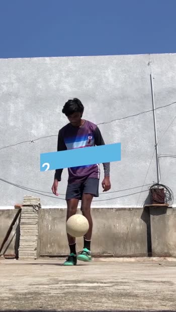 ⚽️Learn Football With Me⚽️   #youtuber #football #freestylefootball #roposostar #soccerskills #soccerball #soccerlovers #tiktok-roposo #roposostarchannel  #foryou #foryoupage #fyp