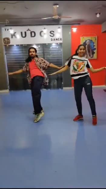 Kaliyon ka chaman #kaliyonkachaman #waackingdance #roposostars #bollywood #dance #mrsaiyan