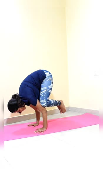 Arm Balances  please like & share 😊 #yoga #yogateacher #fitness #fitnessmodel #flexibility #stretching #workoutmotivation #workoutathome #homeworkout #fitindia #fitfam #armbalances #armbalance #armstrength #strengthtraining