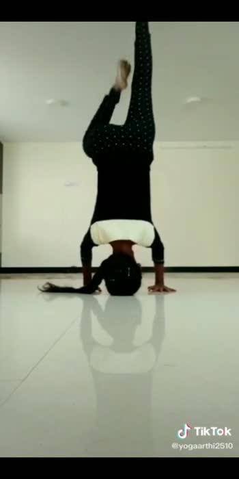 #yogaaddict #yogaarthi #yogainspiration #yogalove #yogaday #yogapractice #yogaeveryday  #yoga4roposo #yoga4roposo #yogaposes #tioktok_india #roposostars #roposoindia #yogateacher #inspiration #yoga
