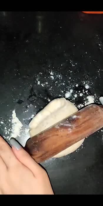 Cheesy garlic bread recipe #foodblogger  #foodphotography #foodpics  #eatclean #eathealthy #recipe  #recipevideo  #garlic