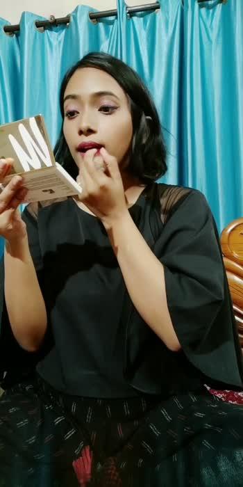 how to make any lipstick matte #makeuptutorial #makeuptips #mattelipstick #beauty #lookgoodfeelgood #roposoindia