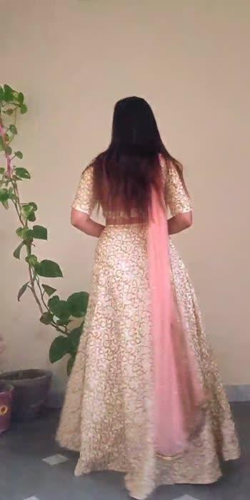 How to carry Pastel Lehnga! #fashionvideos #weddingwear #lehngacholi #weddingseason