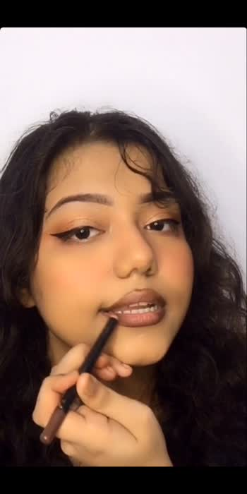 Plumped Up Lips without Surgery👄🥰#risingstaronroposo #risingstar #featureme #featurethis #featurethisvideo #makeup #makeupartist #makeuptutorial #mua #eyeshadow #eyeshadowtutorial #eyelook #glamupwithanna