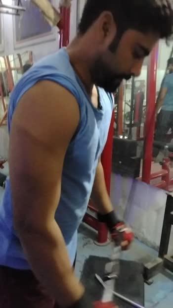 #triceps #gymlovers #gymlovers #fitnessmodel