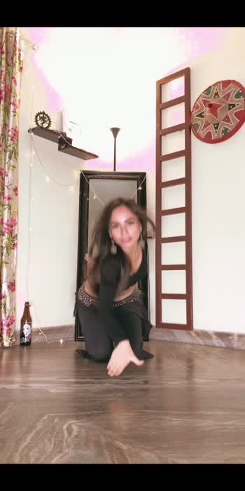 #laila  #tonykakkar  #helidaruwala   🔥🔥 #dancewithproneeta #proneetavijay #proneetaswargiary #dance #bellydance #trending  Video Shot By : @vijaypattery #roposo #roposofamily #roposodance